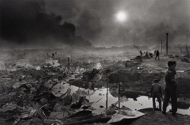 Phnom Penh bombed by the KR, 1975
