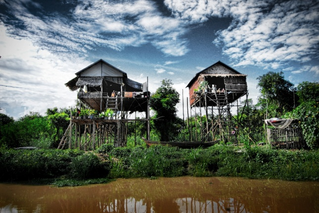 Kampong-Phloek-a-floating-village-in-Siem-Reap-Cambodia